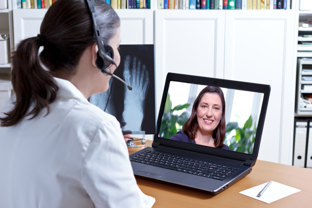 Patient consulting a doctor online